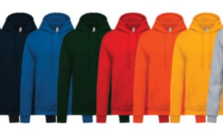 4 voordelen van kleding laten bedrukken voor bedrijven